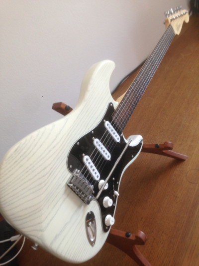SLS Snow Bengal stratocaster