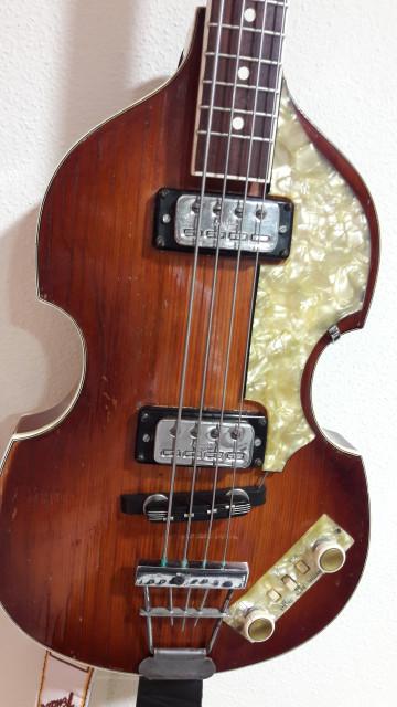 Höfner 500/1 española del 1973/1974