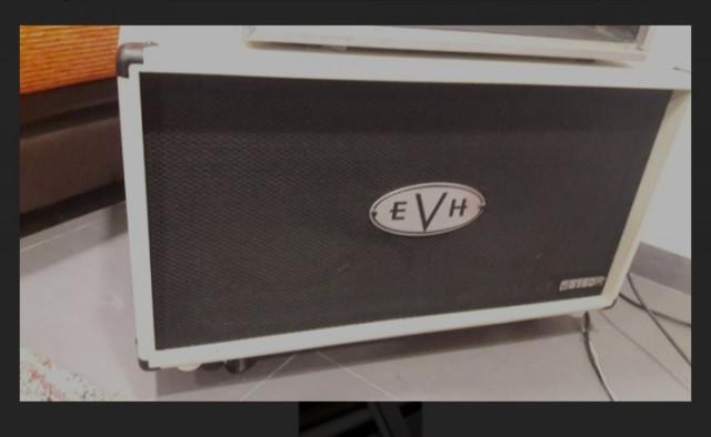 Caja 2x12 EVH 5150 blanca ivory