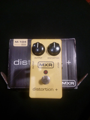 MXR distortion+ M-104