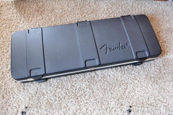 Estuche rígido Fender original VENDIDO
