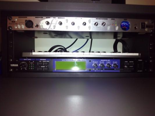 Procesador Reverb Yamaha REV500