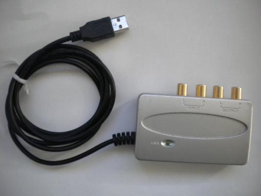 Tarjeta de audio Behringher U-Control UCA200