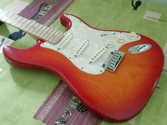 (RESERVADA) Fender Stratocaster American Deluxe Ash 2008 (Lollar Blonde)