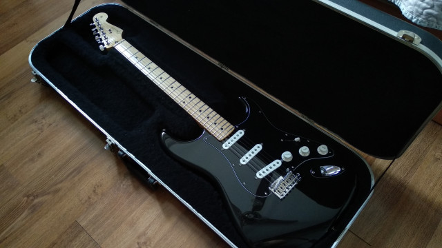 Fender stratocaster player