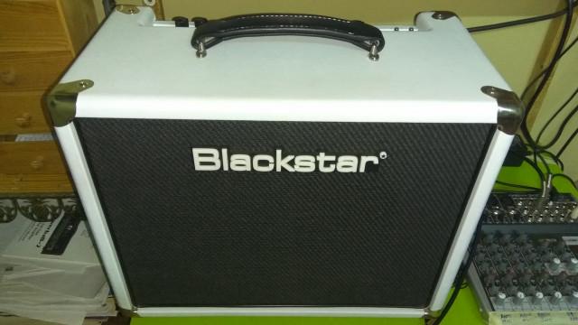 O cambio. Combo Blackstar HT5R White edition