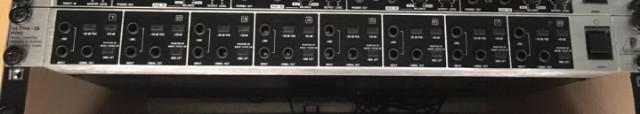 Behringer DI800