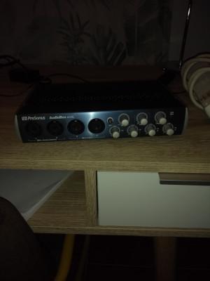 vendo varios microfonos, interfaz de audio, batería electronica ...