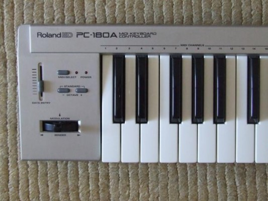 Vendo Roland PC 180