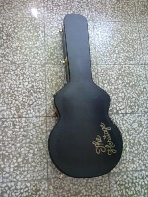 Vendo guitarra Heritage H-575