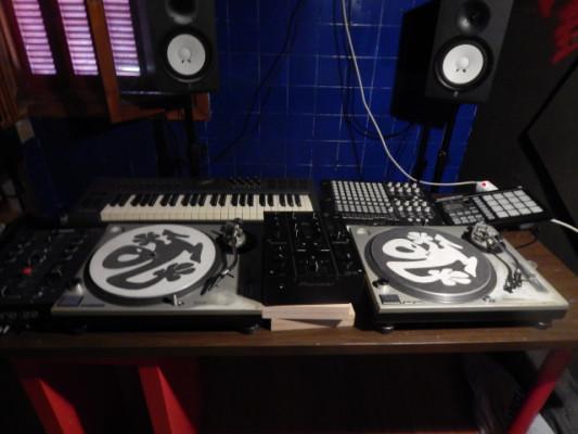 MERCADILLO DJ - PRODUCER