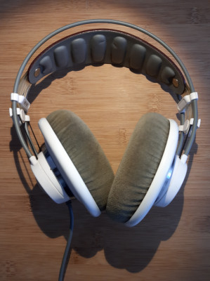 AKG K701 auriculares