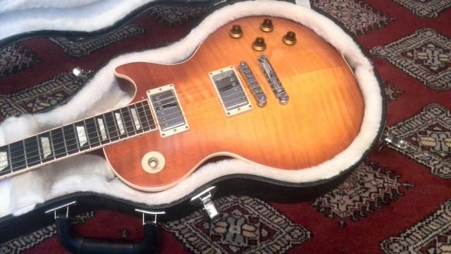 Gibson Les Paul Standard Light Burst 2010 -Reservada-