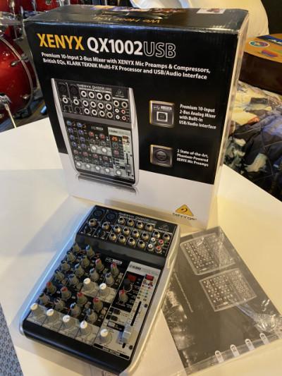 Behringer QX1002USB mesa mezclas interfaz audio