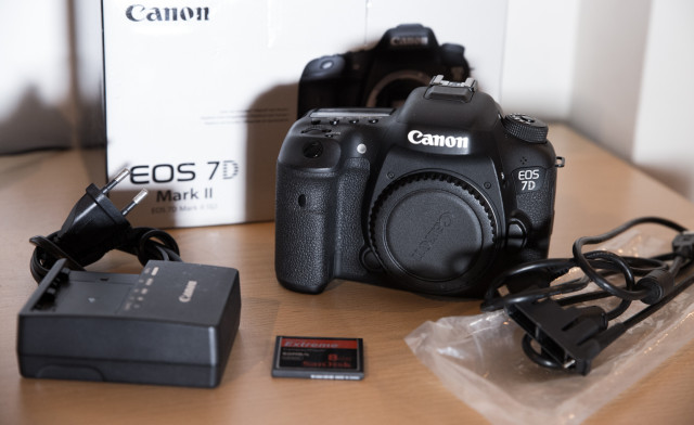 Canon 7D Mark II - Cámara Digital SLR 20,2 MP - Video fullhd 60p