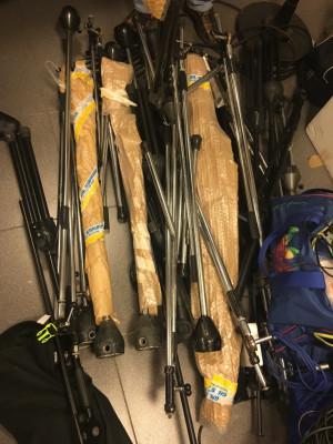 Cables, pies de micro, mangueras, accesorios