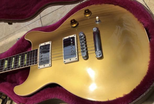 2003 Gibson Les Paul Classic Double Cutaway Goldtop.