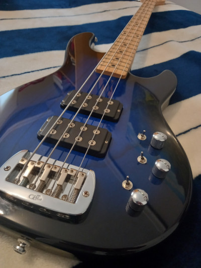 Bajo GL tribute L2000 blue