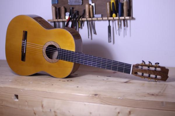 Fabricación de guitarras clásicas