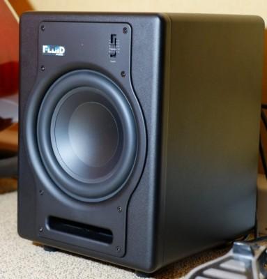 Subwoofer de estudio con pedal switch Fluid Audio F8S
