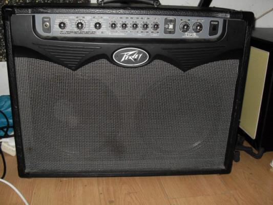 -Peavey VYPYR 100W 2x12 Guitar Combo + Peavey Sanpera II