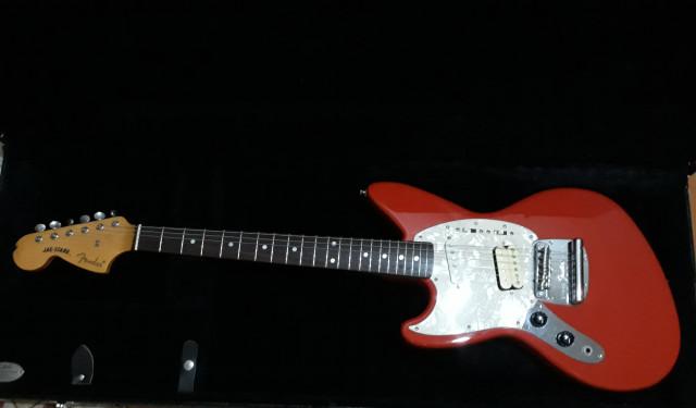 Fender Jagstang fiesta red zurda diseñada por Kurt Cobain