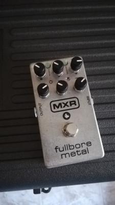 Fullbore metal