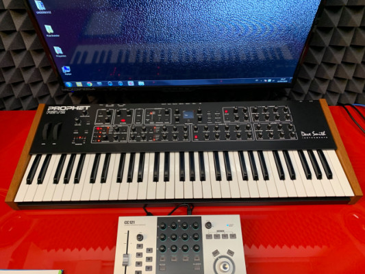 ¡GANGA! Sintetizador DSI Prophet REV2-8