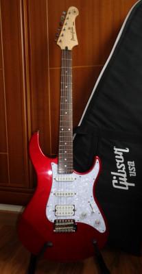 Guitarra Eléctrica Yamaha Pacifica 012 Red Metallic