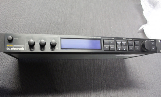 Procesador TC Electronic M One Effects (Dual Engine FX)