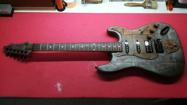 Se vende guitarra Stratpunk