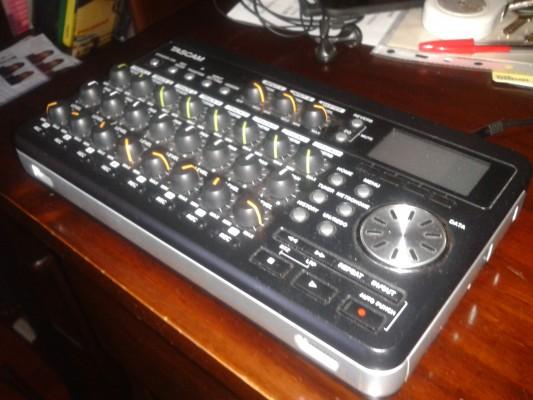 Malvendo 8 pistas Tascam DP-008. (Fotos y muestra de sonido)