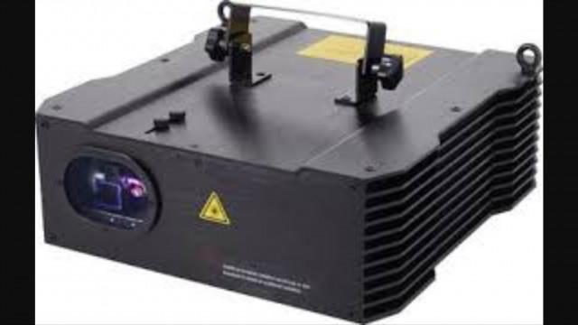 Vendo láser marca Laserworld CS-1500- RGB