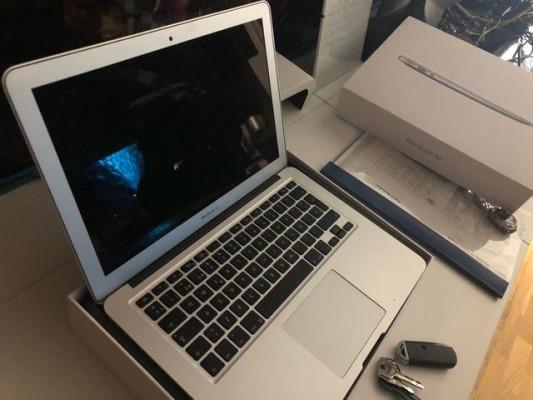 """vendo apple macbook air 13"""""""