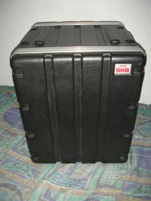 Racks 12 unidades SKB 19-12U