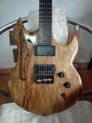 SLS Luthier Rhino con pastillas Bare Knuckle