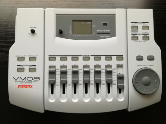 o cambio: Mesa digital Fostex VM08