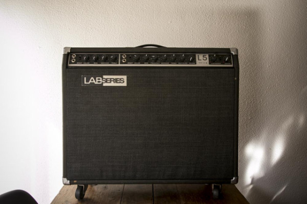 Ampli Lab Series L5 + Squier Vintage Modified Mustang