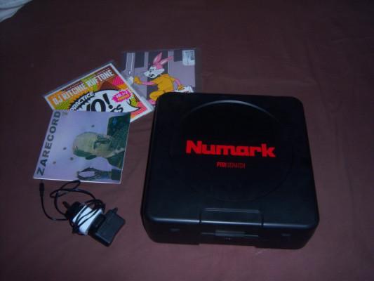 "Numark PT01 Scratch con 4 vinilos de Batalla 7"""