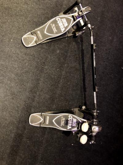Pedal doble bombo Iron Cobra