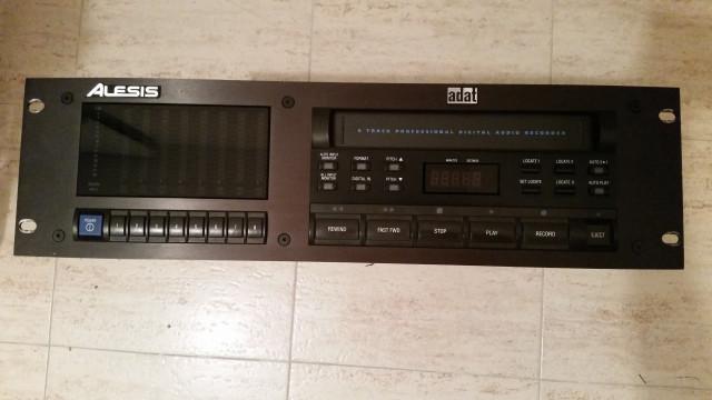 Adat 8 Pistas. Grabador Digital de 8 pistas en soporte de cinta VHS