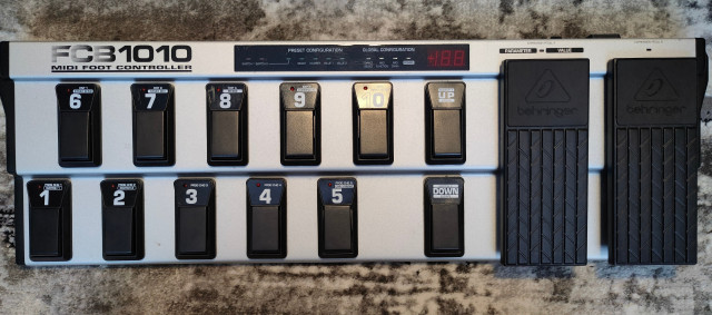 Pedalera Beringher FCB1010+Rockbag+Cable Midi