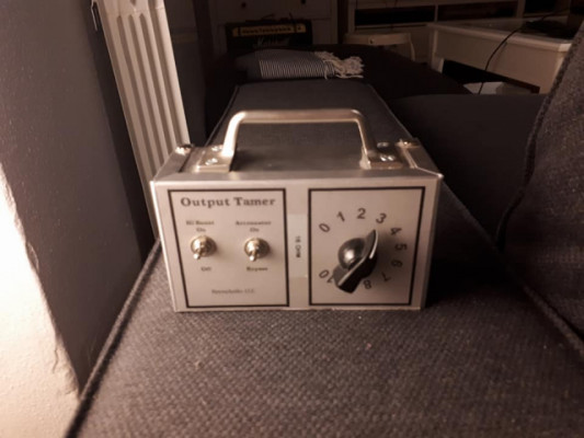 Reyes Audio Output Tamer Atenuador