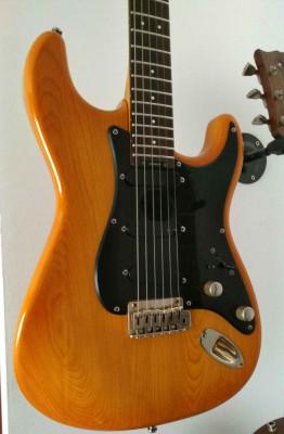 Guitarra Blade R2 Suiza (REBAJADA)