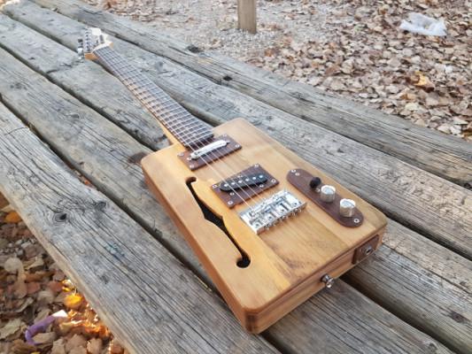 Cigar Box guitar (Loluthier)
