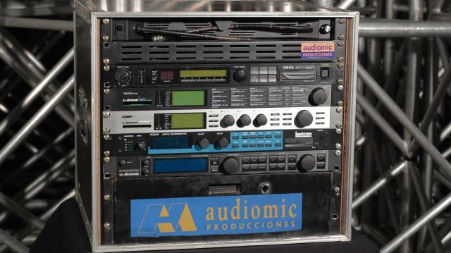 t.c electronic M2000 Studio Effects Processor