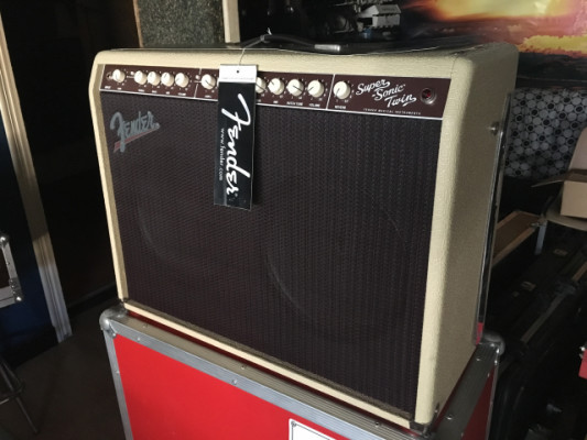 Fender Supersonic Twin 100 - Amplificador de guitarra