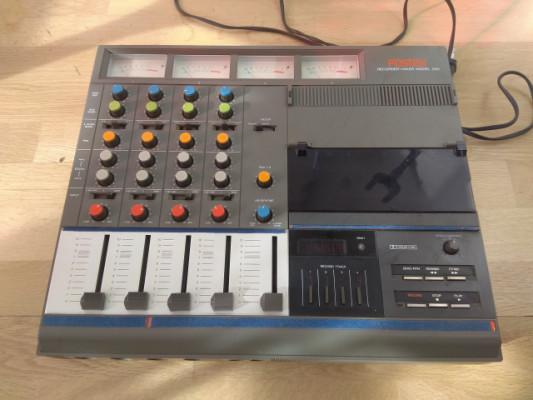 Fostex 250  grabador 4 pistas.