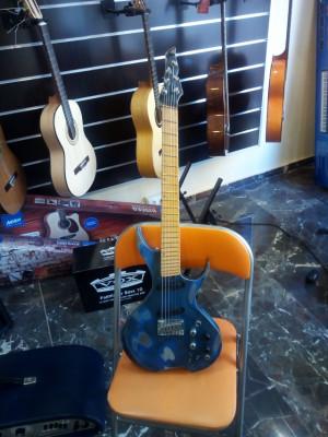 Pues eso cambio guitarra Prototipo OAKLAND AXE USA .Relicada  y