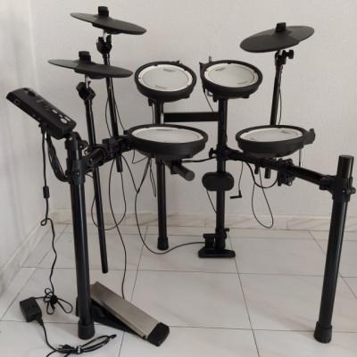 Bateria Roland TD-1DMK V-Drum Set